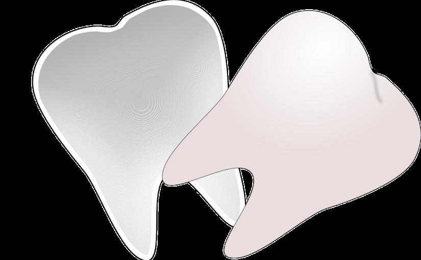 Śliczne urodziwe zęby oraz olśniewający uroczy uśmieszek to powód do dumy.